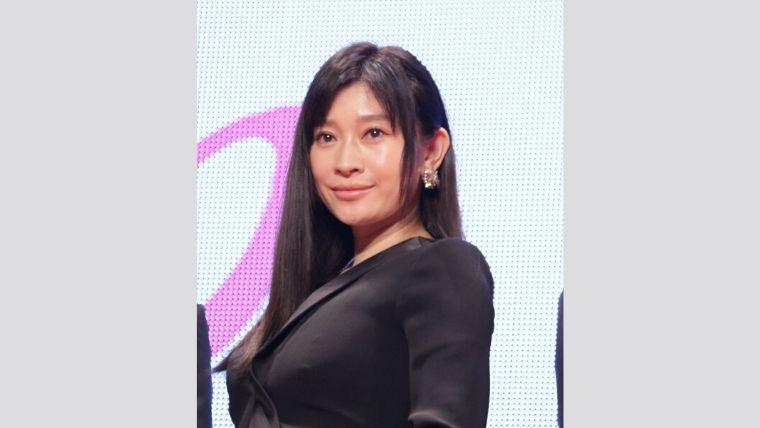 篠原涼子が3人目の子供を妊娠しているという情報はデマ