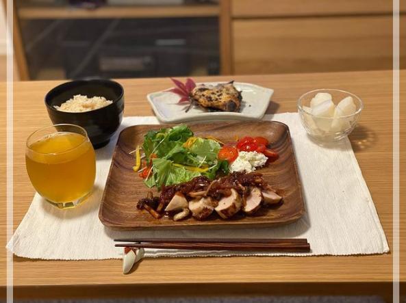 鶏むね肉で自炊している食事。