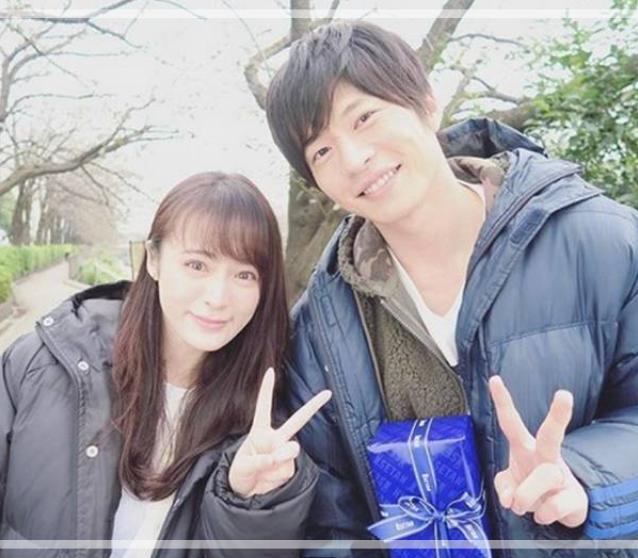 田中圭さんと貫地谷しほりさんのツーショット。